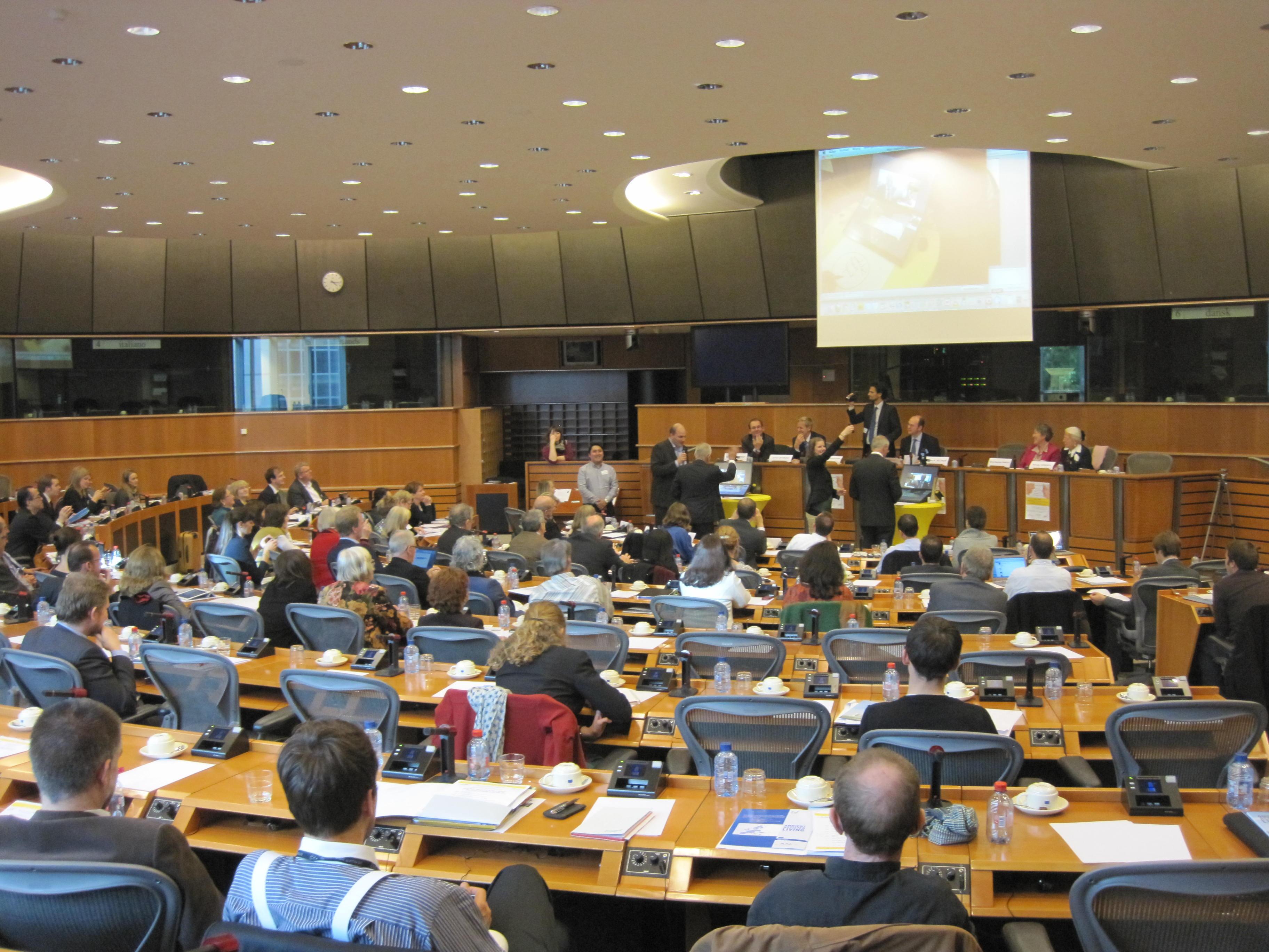CVN live demo in EU parliament Lambert v. Nistelrooij and Heinz K. Becker